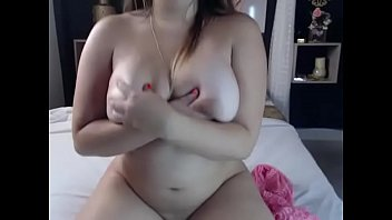 obese inexperienced stunner plays pornography cam
