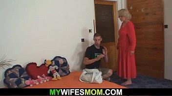 wifey finds him pulverizing mummy inlaw