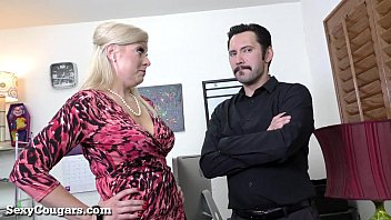 supah-drilling-hot cougar manager enjoys it raunchy
