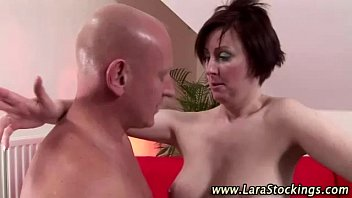 brit cougar penetrate and cum-shot