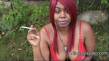 nilou achtland-smoking down half-tee-shirt 1