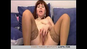 Big Titted MILF taquiner sur webcam