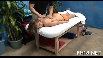 Sexy sexy babe copulates and sucks her massage therapist