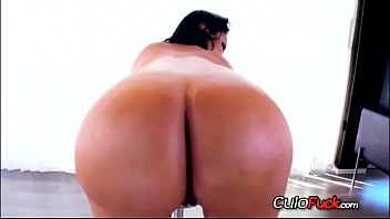 xxl backside latina from colombia