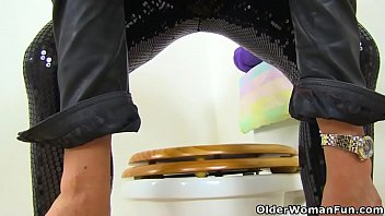 english cougar gabby fox thumbs her fanny on restroom