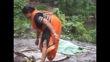 mallu masala aunty doing household work