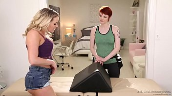 ultra steamy bubble donk rubdown - bree daniels.