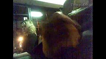 batendo punheta no metro e a.